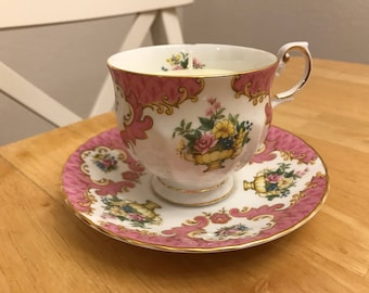 Upcycled Yellow Rose Teacup Candle