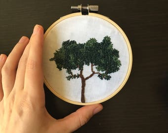 Hand Embroidered Tree (nature wall art, minimalist home decor!)