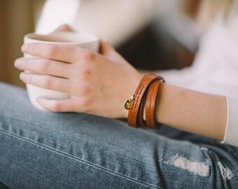 Leather Bracelet for Women, tan, chestnut, black, MIRA, handmade by band&roll