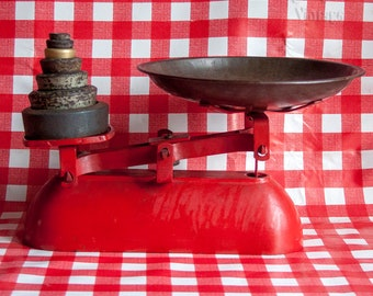 Vintage English RED Cast Iron 1950s Kitchen Scales & Weights with Round Dish