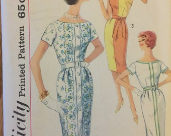 """VTG 3970 Simplicity (early 1960's). Misses' one piece dress. Size 16, Bust 36"""".  Complete, unused, FF. Excellent condition."""