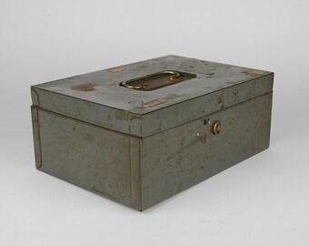 Vintage Metal Cash Box, Industrial Utility Box, Retro Home Decor, Craft Supply Tool Box, Office Organization