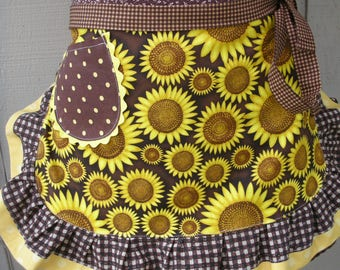 Aprons - Sunflower Aprons - Womens Half Aprons - Yellow Aprons - Annies Attic Aprons - Yellow Sunflower Aprons - Annies Attic Aprons