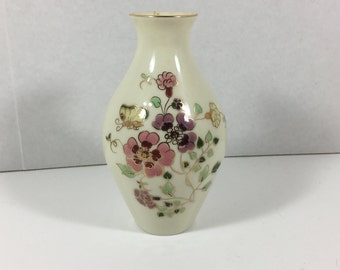 Vintage Zsolnay Hand Painted Vase 95641026  113