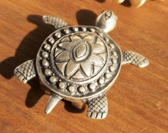 20mm turtle slider bead, silver beads, bracelet sliders, bracelet findings, jewelry sliders, focal pieces, flat leather sliders
