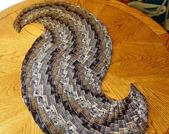 Spiraling Table Runner