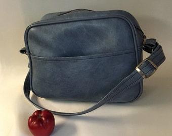 Carry-on Shoulder Luggage, Vintage Blue Carry-on Bag, Blue Shoulder Bag, Overnight Case, Textured Leatherette Athletic Bag, Theater Prop