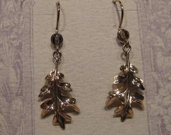 14 kt Gold Oak Leaf Earrings   ....                         e273