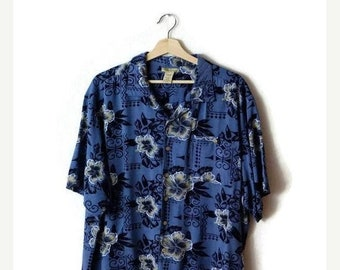 ON SALE Vintage Hibiscus printed Men's Hawaiian Shirt from 90's/ Blue*