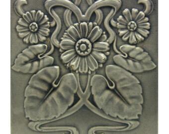 Gray Art Nouveau Daisy Raised Wall Tile