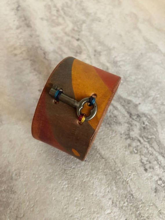 Handmade Women's Marbled Leather Cuff Bracelet (6.75 inches)
