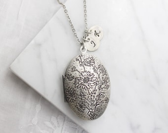 Personalized Vintage style double side flower pattern oval Locket, Silver locket Initial Necklace,Silver locket - S2060-3