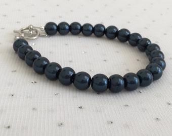 Dark Navy Blue Pearl Bracelet, Midnight Blue Wedding Jewelry, Navy Blue Bridesmaid Jewelry, Navy Blue Wedding, Navy Blue Bridal Jewelry