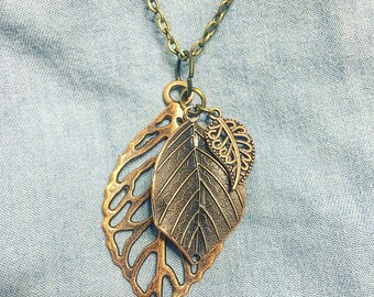 Three Leaf Charm Necklace
