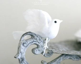 White Cotton Spun Vintage Style Feather Doves