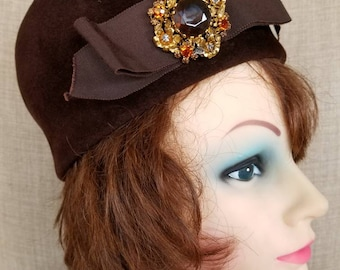 "Vintage Women's Brown Wool Felt Pillbox Hat ""Noreen Fashion"""