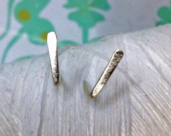 Sterling Silver - staple earrings / bar stud earrings / staple stud earrings / sterling silver / line earrings / bar earrings / silver studs