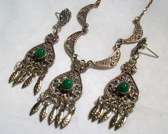 European Vintage Serpentine Stone and Sterling Silver Necklace and Matching Post Earrings