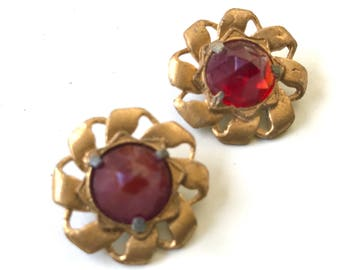 Old Hollywood Glamour Antique Gold Metal Buttons With Ruby Red Multifaceted Glass Stone