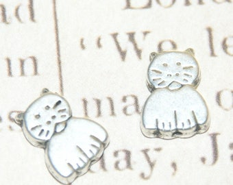 3 cat 11, 5 x 8 silver metal beads, 5mm