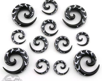 Black Horn Spirals Abalone Shell Inlay - Sizes / Gauges (6G, 4G, 2G, 0G, 00G)