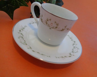 Sheffield Fine China Green Ivy Designed Teacup and Saucer Elegance 502t 1960s