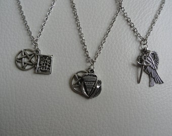 Team Free Will Necklace Set
