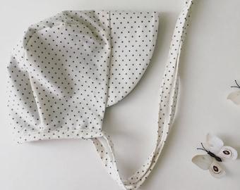 Organic cotton baby bonnet// baby bonnet // baby sun bonnet // modern baby bonnet // baby hat // sunbonnet // organic cotton bonnet