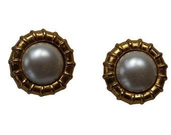 CHANEL - vintage earrings/clip earrings