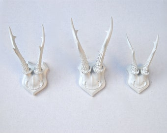 Roe Deer Antlers - White Gallery Wall Faux Antler Collection - 3 Faux Taxidermy Small Antler Wall Mounts SCP01