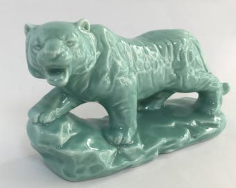 Japanese Tiger Figure, Tiger Figurine, Protection Statue, Vintage Figurine, Knick Knack, Japanese Souvenir, Year of The Tiger, Asian Decor