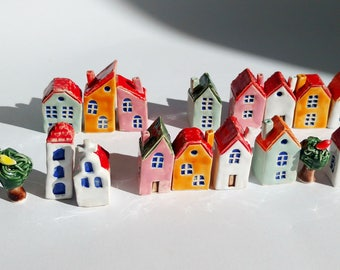 Set of 5 little ceramic houses - tiny houses - ceramic and pottery - gift for him - gift for her - small houses-