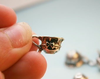 6 Tea Cup Charms, Antique Silver 19 x 8 mm - ts1061