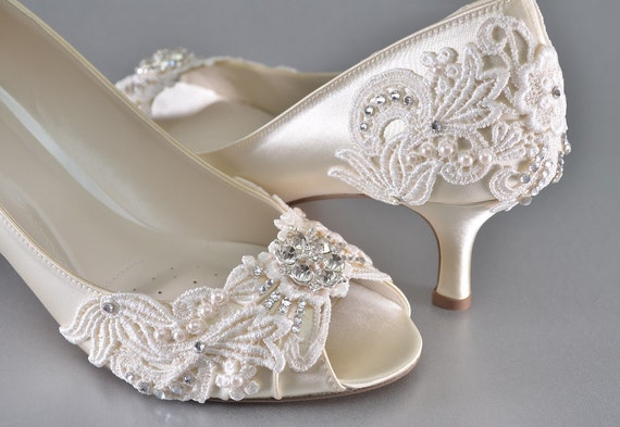 etsy wedding shoes s low heel wedding shoes s vintage 3943