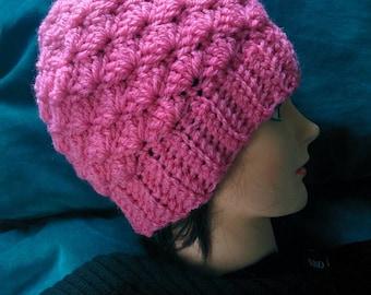 Pink crochet hat in shell pattern