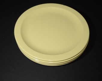 Vintage MELMAC Pastel Yellow Dinner Plate, 10 inches -  G.P.L. Set of 4 - Hard Plastic, Canadian, Melamine, Mid-century, Made in Canada