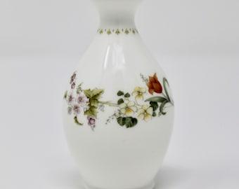 "WEDGWOOD  Mirabelle 3 1/2"" Mini Bud Vase"