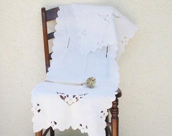 Vintage Cutwork Linen Runner Table Runner Dresser Scarf