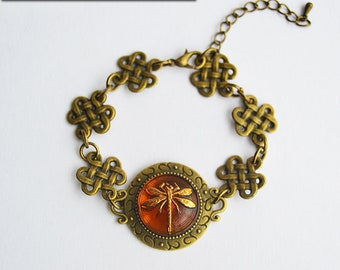 Dragonfly in Amber Bronze Bracelet with Celtic Knot Links - Claire Fraser Sassenach Jewelry - Outlander inspired