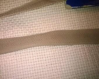 192) Ribbon beige heel to bottom of pants