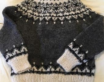 Handmade Icelandic wool sweater woman's medium