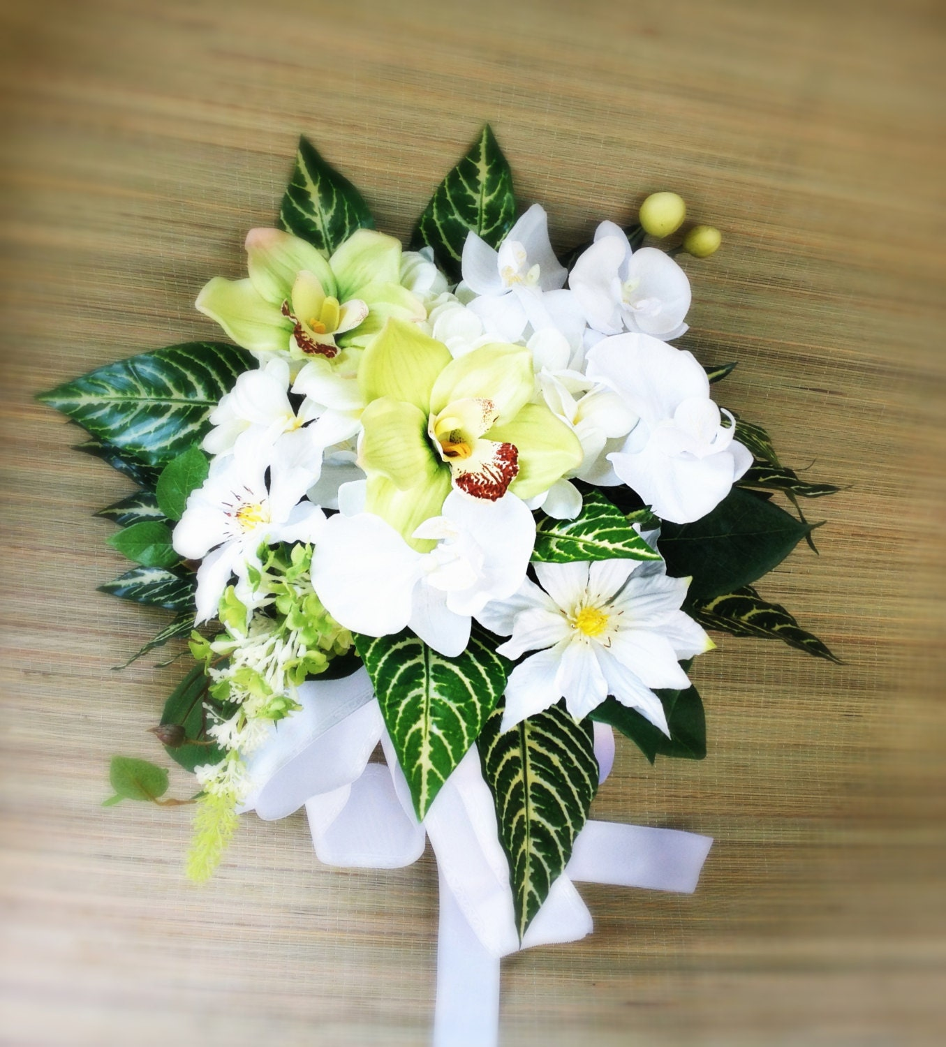 Elegant tropic silk wedding bouquet with white green zoom izmirmasajfo