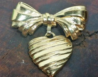 Vintage Avon Heart and Bow Brooch, Avon Sentiments Brooch, Avon Bow with Heart Brooch , Heart Brooch, Vintage Avon Signed Heart Brooch