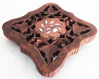 Wooden Carved Trivet Vintage Kitchen DEcor Accessory Hot Plate Made in India