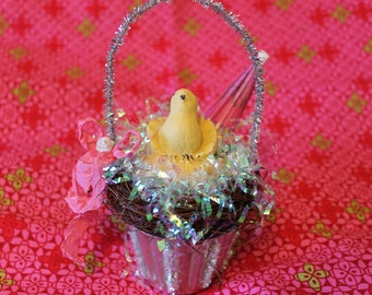 Cupcake Tin Repurposed into Cute Easter Basket with Chick Figurine