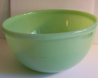 Vintage Jadite Bead Edge Mixing Bowl Green Glass Rolled Rim Unsigned Kitchen Collectibles