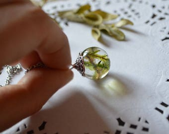 green moss necklace pendant resin pendant necklace charm green moss necklace plant jewelry pressed flowers organic jewelry crystal pendant
