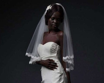 CLAPHAM VEIL - Scalloped lace and double layered elbow length veil