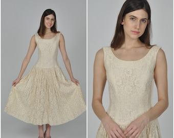1950s Cream Floral Lace dress  | vintage 1950s dress | cream lace 50s dress