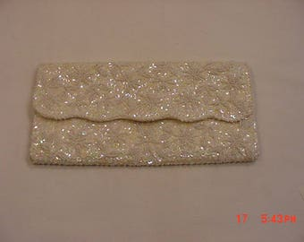 Vintage Made In Hong Kong White Sequin & Beads Evening Clutch  18 - 321